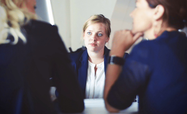 Ventajas de contratar un abogado que hable español