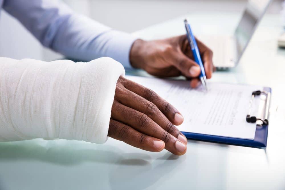 Cómo demandar Lesiones en el Trabajo en Los Ángeles
