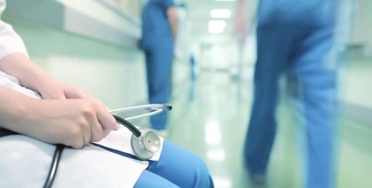 ¿Qué se Considera Negligencia Médica en California?