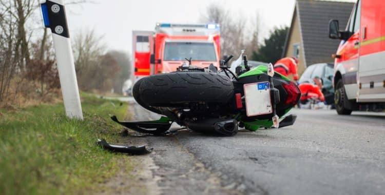Qué hacer cuando tiene un accidente en motocicleta