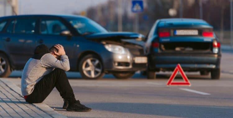 Paso a Paso de Cómo Reaccionar Ante un Accidente de Auto