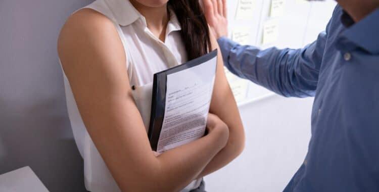 ¿Cómo Puede Reconocer el Acoso Sexual en el Ámbito Laboral?