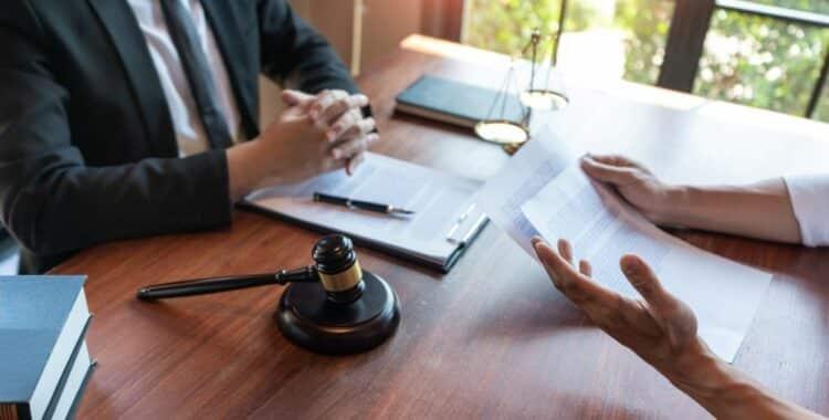 Cómo Realizar una Denuncia Irregular en el Trabajo