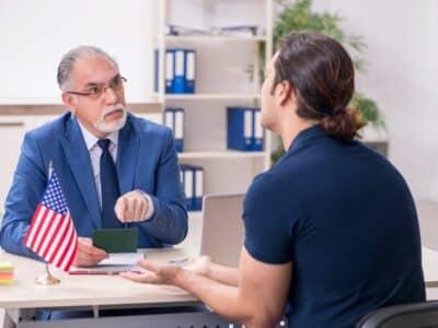 ¿Cómo Puede Ayudarlo un Abogado de Inmigracion en Los Angeles?