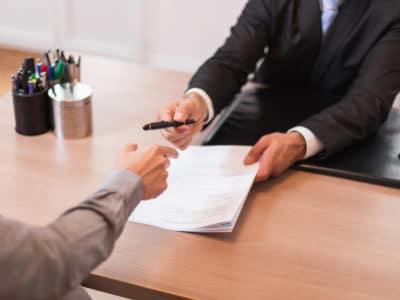 ¿Cómo Puede Ayudarme a Proceder un Abogado Laboral en Los Ángeles?