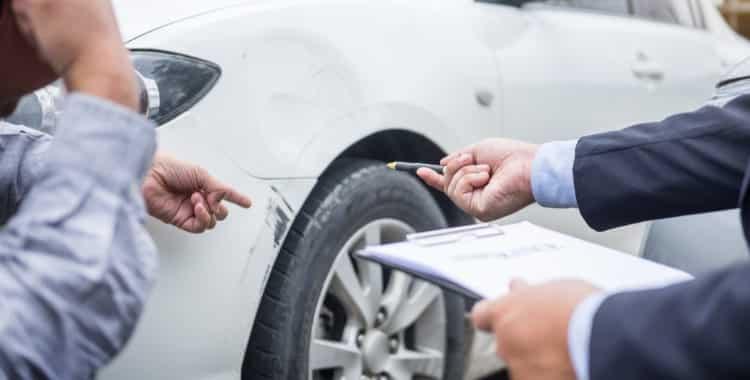¿Cómo Calcular una Compensación por Accidente de Carro?