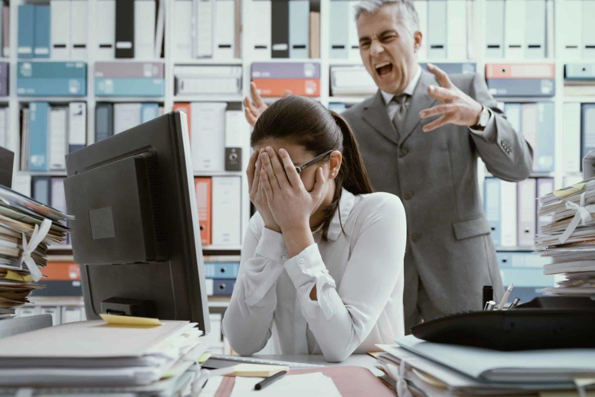 ¿Cómo Calcular una Compensación por Hostigamiento Laboral?