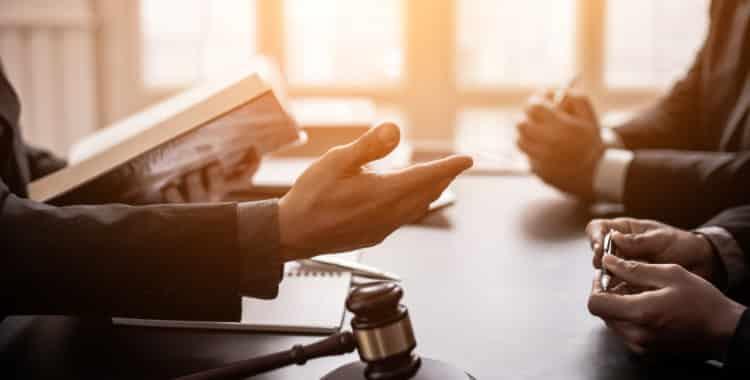 ¿Cuándo Contactar a un Abogado de Negligencia Médica?