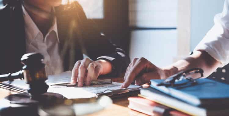 ¿Cuándo Contactar a un Abogado de Despido Injustificado?