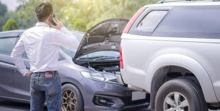 ¿Cuánto Puedo recibir de Indemnización por mi Accidente de Auto?
