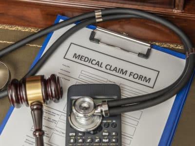 ¿Cuánto Podría Recibir en una Compensación por Negligencia Médica?