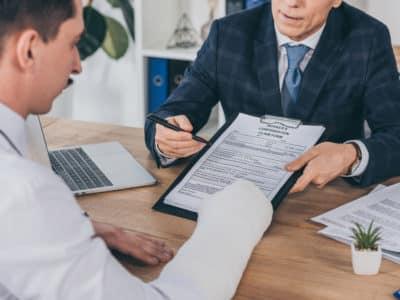¿Cuándo Debo Contactar a un Abogado de Accidente de Trabajo?
